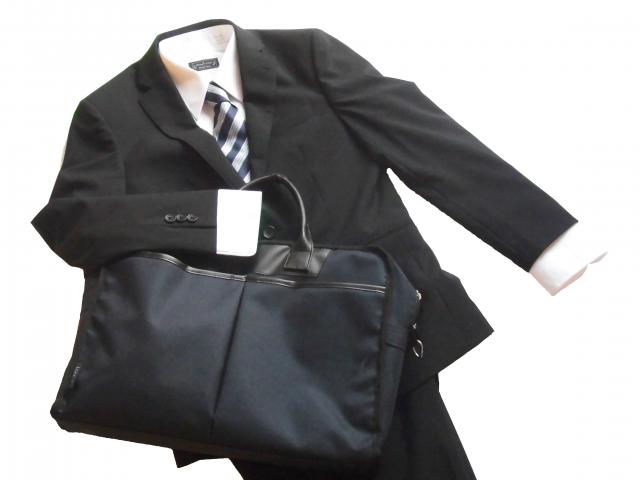 リクルートスーツを着こなす!男性就活生のネクタイ選び!