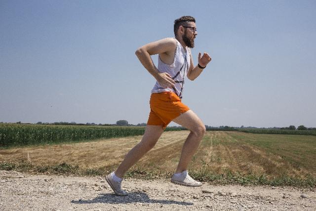 ジョギングとランニングは速度に違い!自分に合った走りとは…